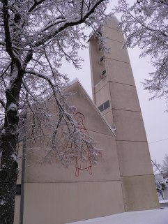 Lukas-Kirche im Winter